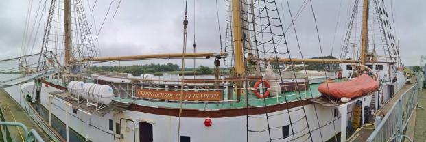 """Panoramabild vom Schulschiff """"Großherzogin Elisabeth"""""""