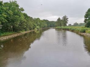 Die Hunte auf ihren letzten Kilometer vor der Mündung in die Weser