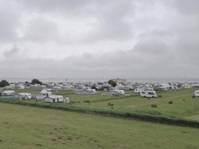 Knaus Womo- und Camping-Platz vor dem Deich