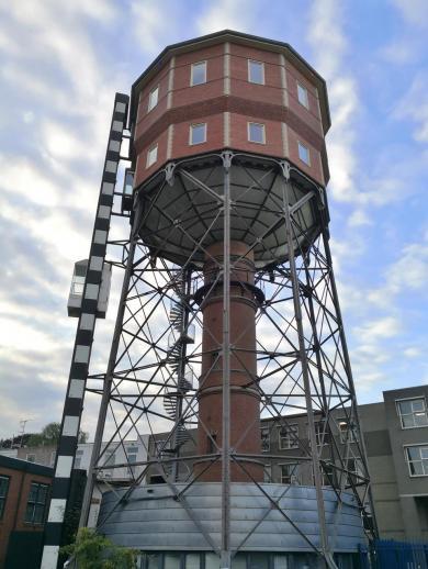 Historischer Wasserturm Noord am Rande des Zentrums