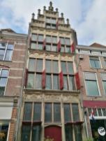 Schmales historisches Bürgerhaus