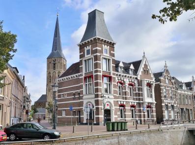 Blick durch die Schoolstraat zur Bovenkerk