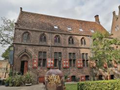 Beliebtes Restaurant an der Stadtmauer vor der Thorbeckegracht