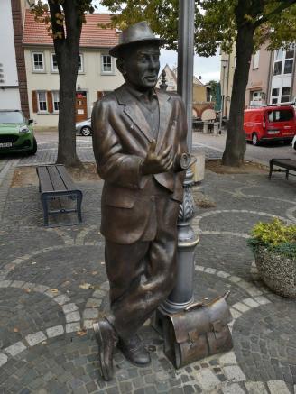 """Skulptur """"Der Schnatz vum Kroneplatz"""""""