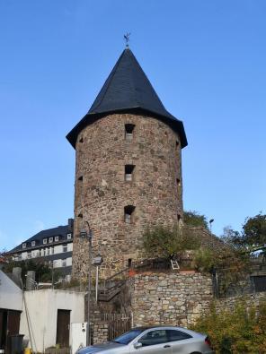 Bergfried der früheren Burg