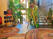 Eingangsbereich der Yoga-Villa in Gensingen (Copyright Erika und Hartmut Bretz)