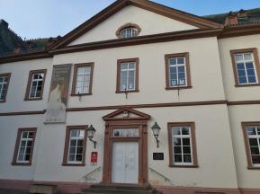 Portal des Neuen Schloss am Markt