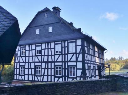 Restauriertes Hauptgebäude der Hammesmühle