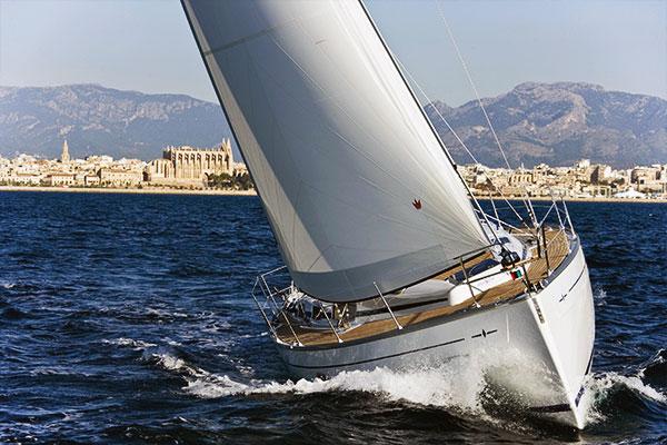 barca a vela immagine sito Blue 1 Yachting, azienda specializzata nella compravendita di imbarcazioni da diporto. Blue 1 Yachting, usato nautico garantito.