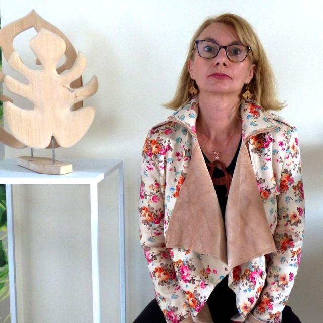 Anne-Emmanuelle-Maire-sculpteur-bois