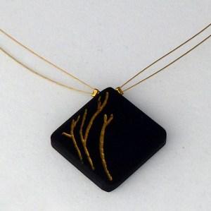 collier-ebene-brindilles-or-pendentif