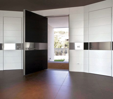 Wall System with integrated Security Doors