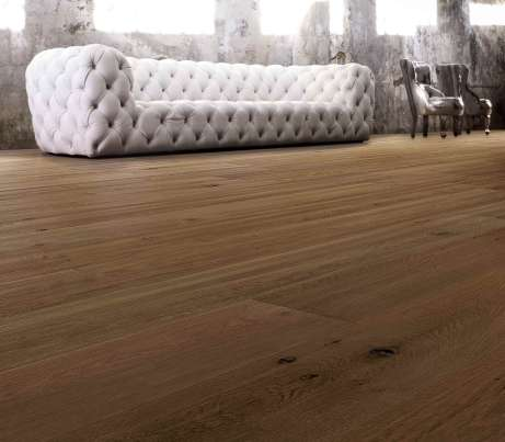 Warm strip Wooden Flooring with Atelier