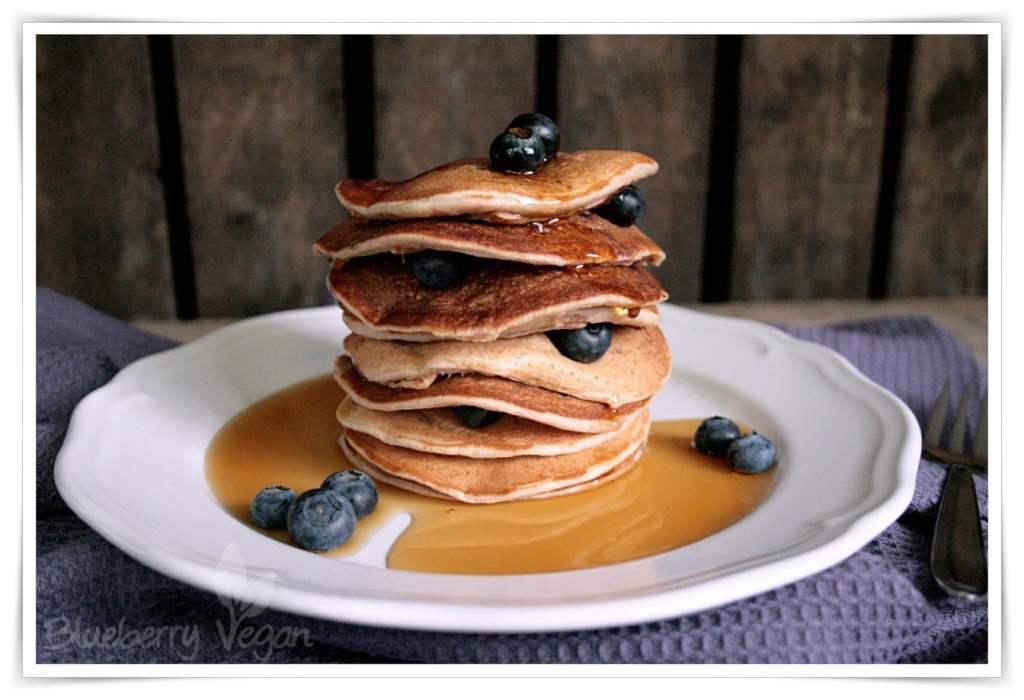 [cml_media_alt id='4694']Vegane Bananen Pancakes mit Blaubeeren[/cml_media_alt]