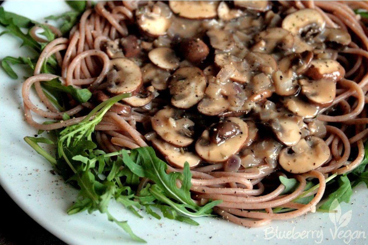 Rahmchampignons mit Spaghetti und Rucola