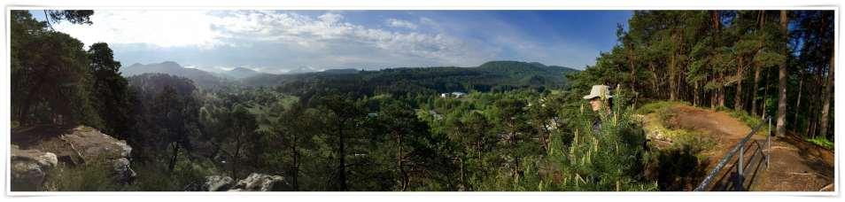 Panorama vom Dahner Felsenpfad