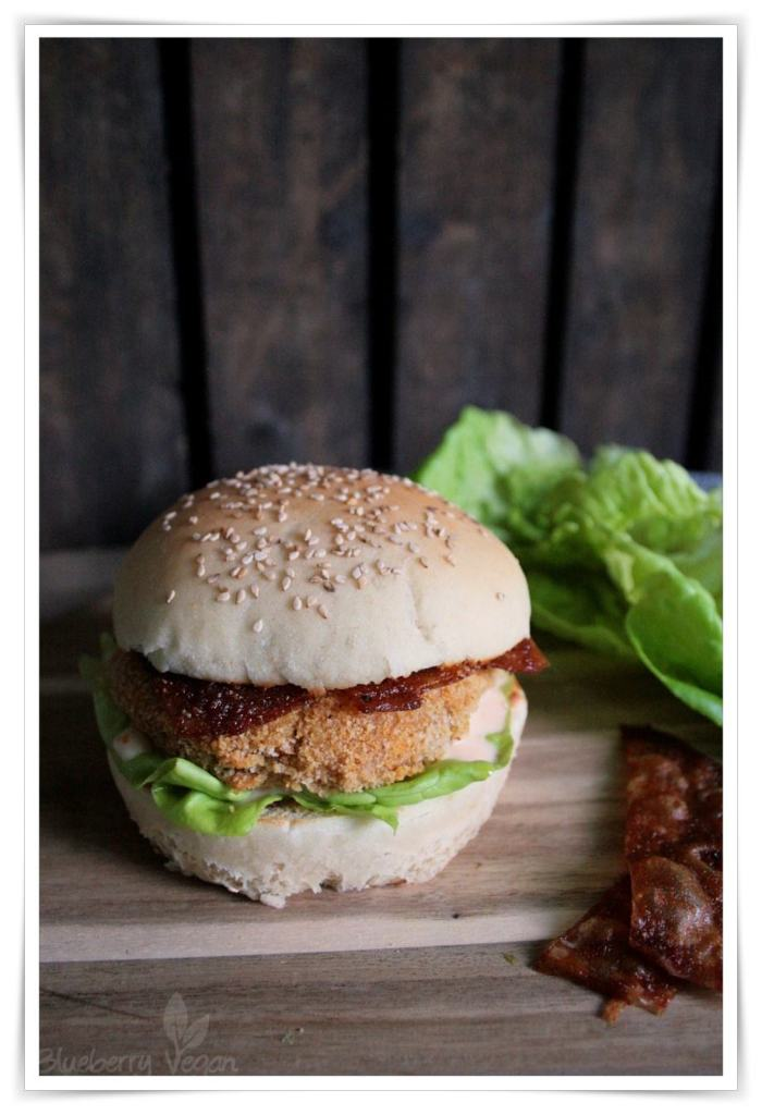 [cml_media_alt id='4583']Veganer Chicken Burger und Reispapier-Bacon[/cml_media_alt]