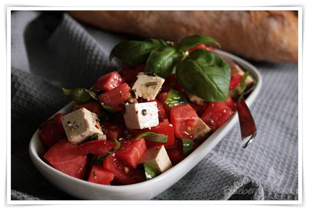 [cml_media_alt id='5068']Wassermelonensalat mit Tofu-Feta[/cml_media_alt]