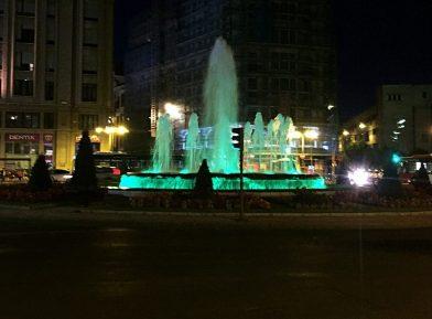 León bei Nacht