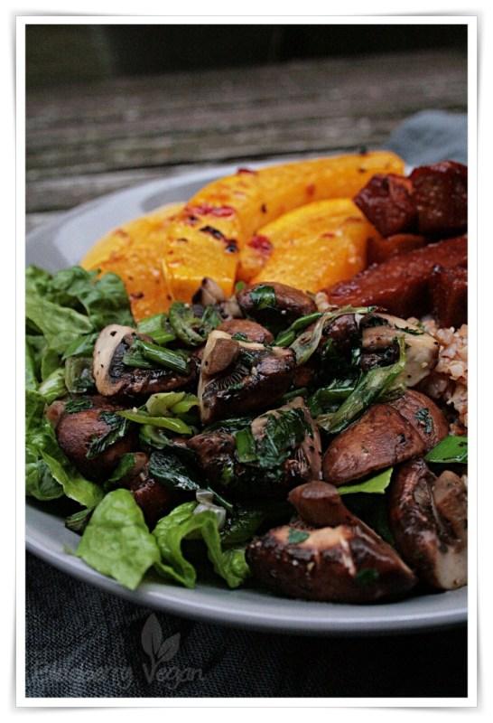 [cml_media_alt id='7949']herbst-bowl-mit-kurbis-und-champignons-vegan-rezept[/cml_media_alt]