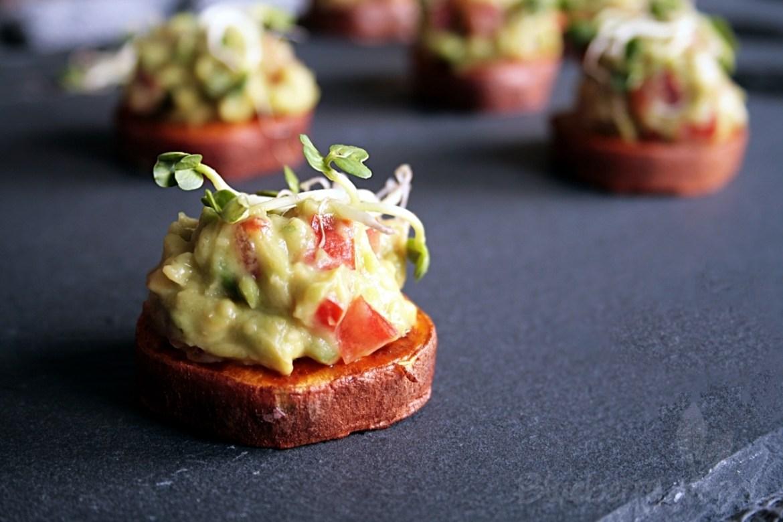 [cml_media_alt id='8392']suskartoffeln-mit-guacamole-happchen-vegan[/cml_media_alt]