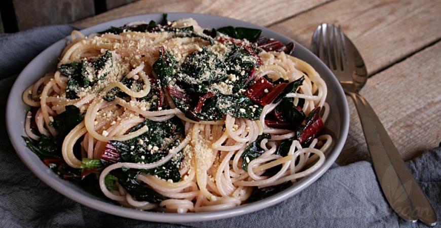 schnelle mangold spaghetti blueberry vegan. Black Bedroom Furniture Sets. Home Design Ideas