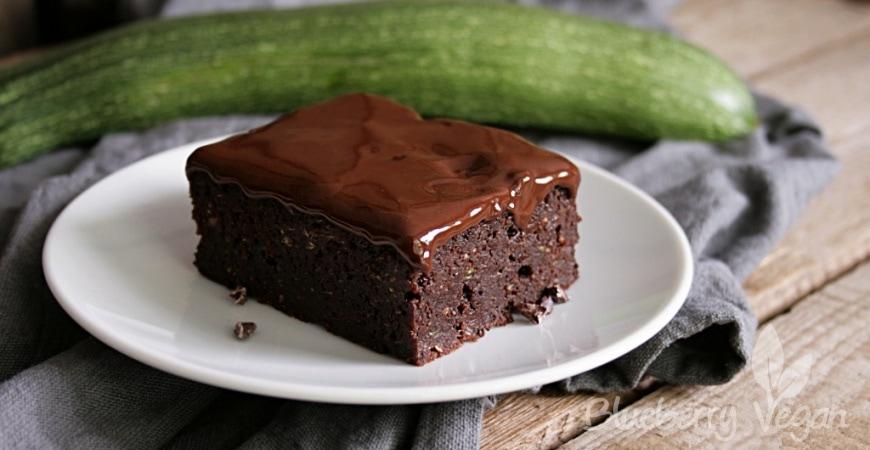 Zucchini-Brownies mit leckerem Guss