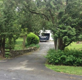 Narrow driveway in Boonsboro MD is not a problem for the blue box dumpster rental