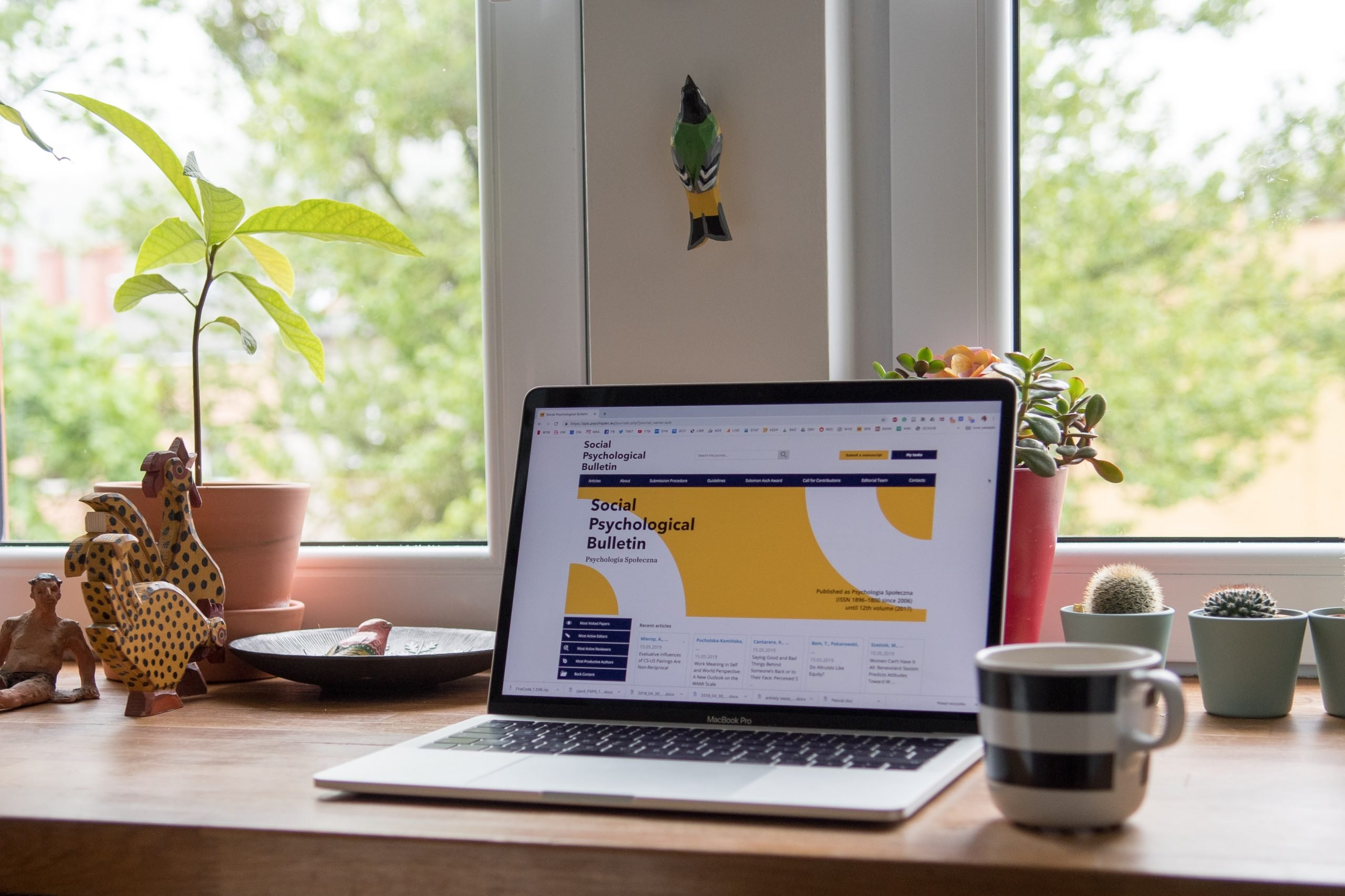 7 Ways to Save Big on Your Startup Website