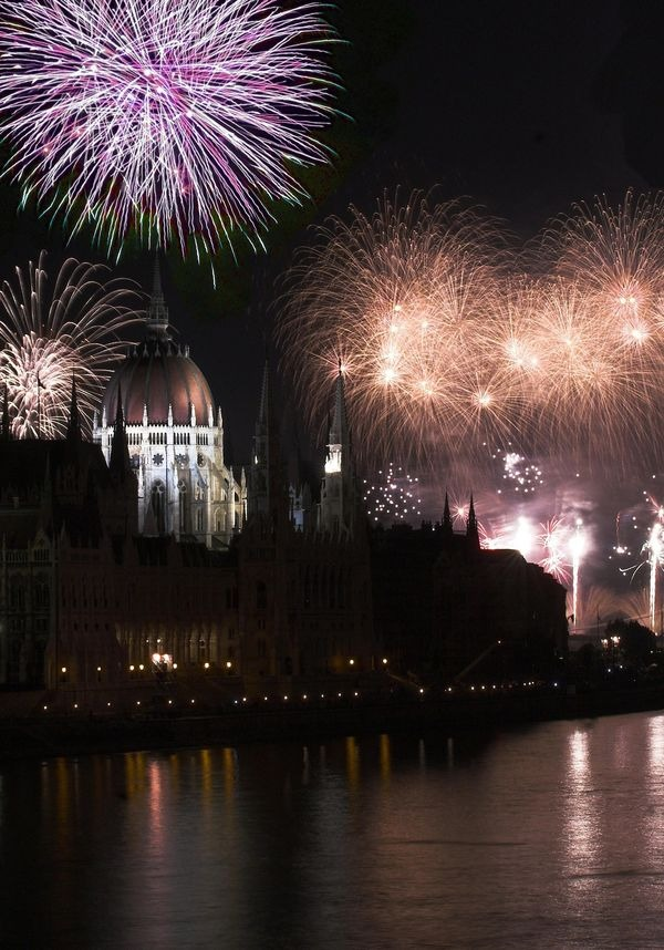 csm_Budapest_New_Year_8fe77cb6a7