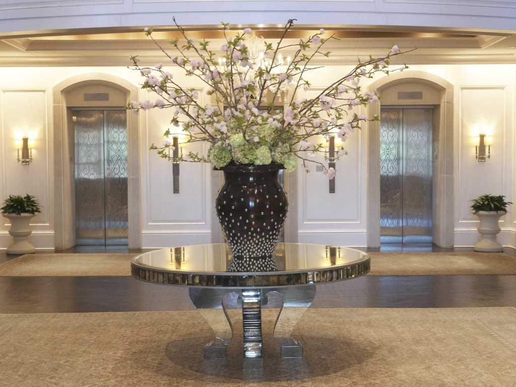 St Regis Atlanta lobby centerpiece.