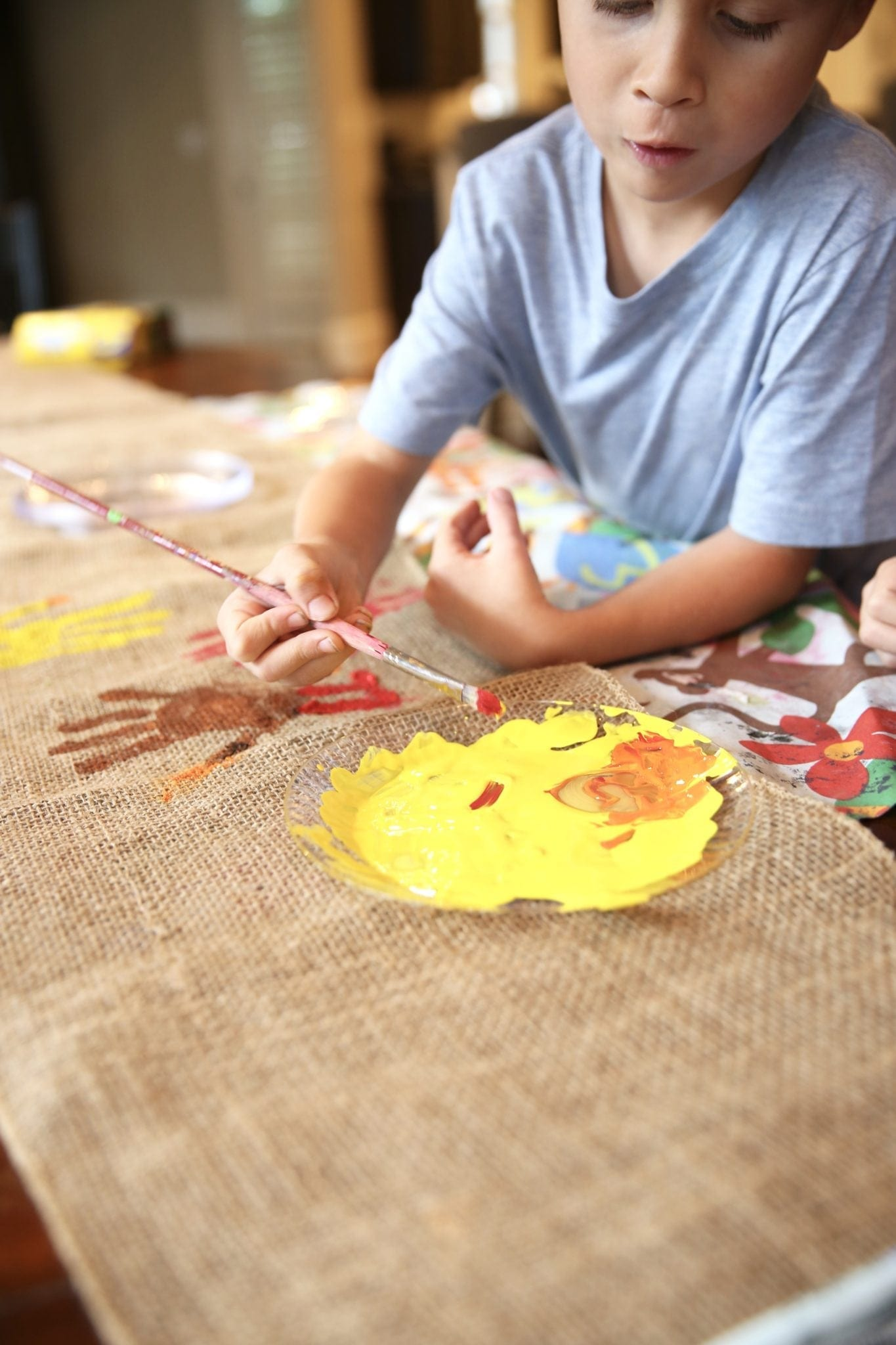 Thanksgiving Kids Table with burlap table cloth.