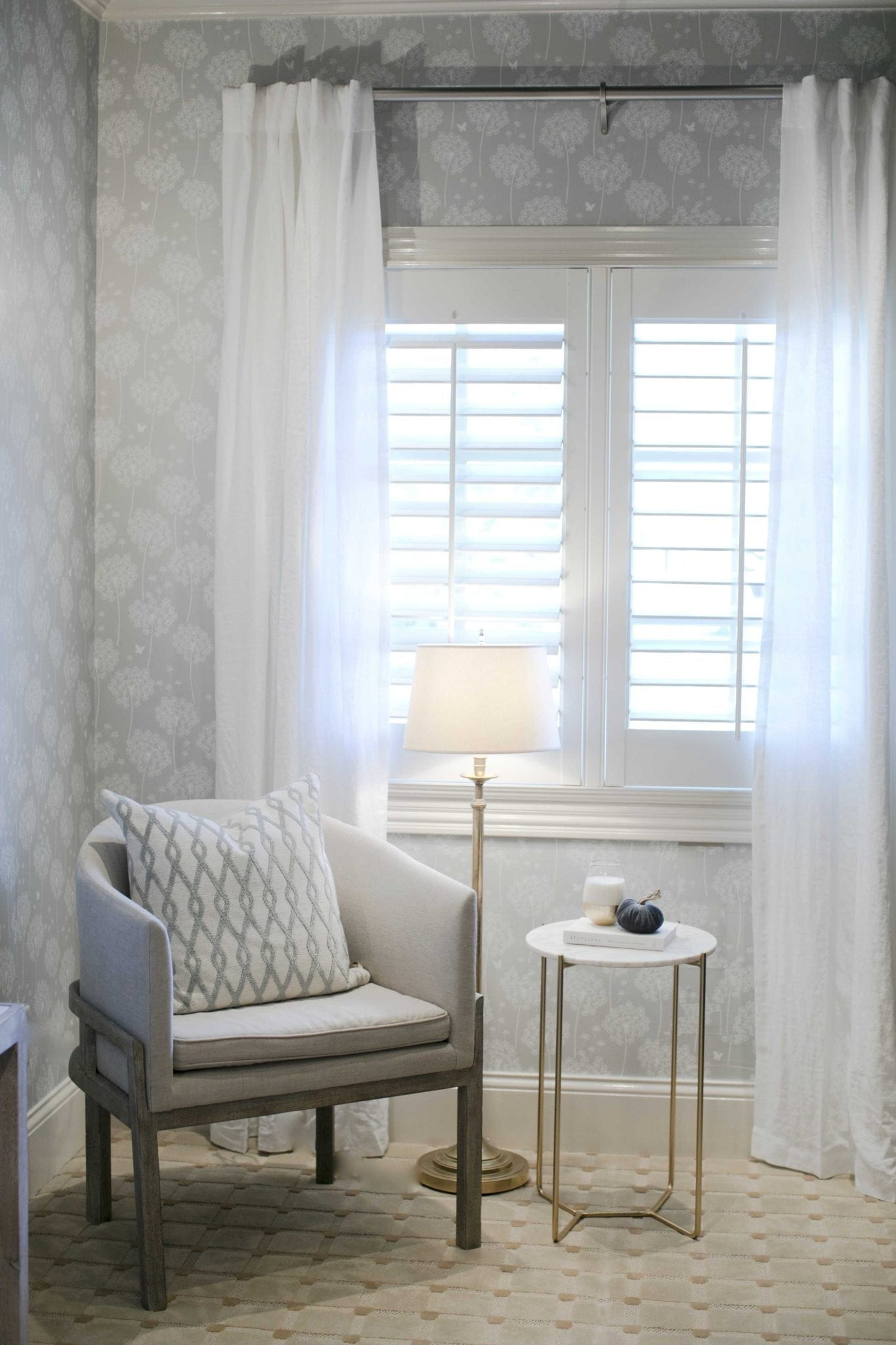 White and gray wallpaper. The easiest and most affordable way to transform a room! My home office before and after photos.