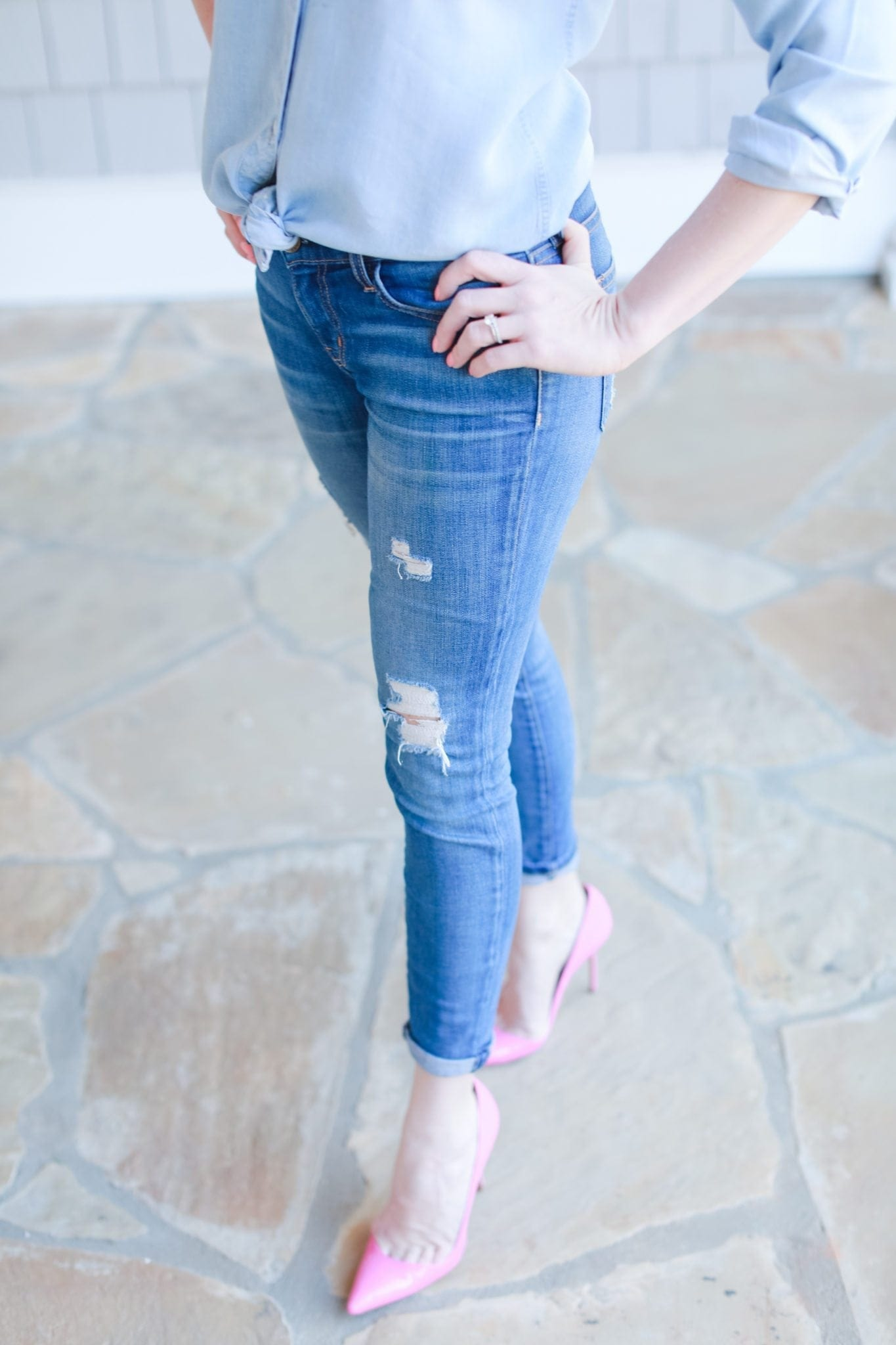 Current Elliot skinny jeans and pink manolo blank pumps.