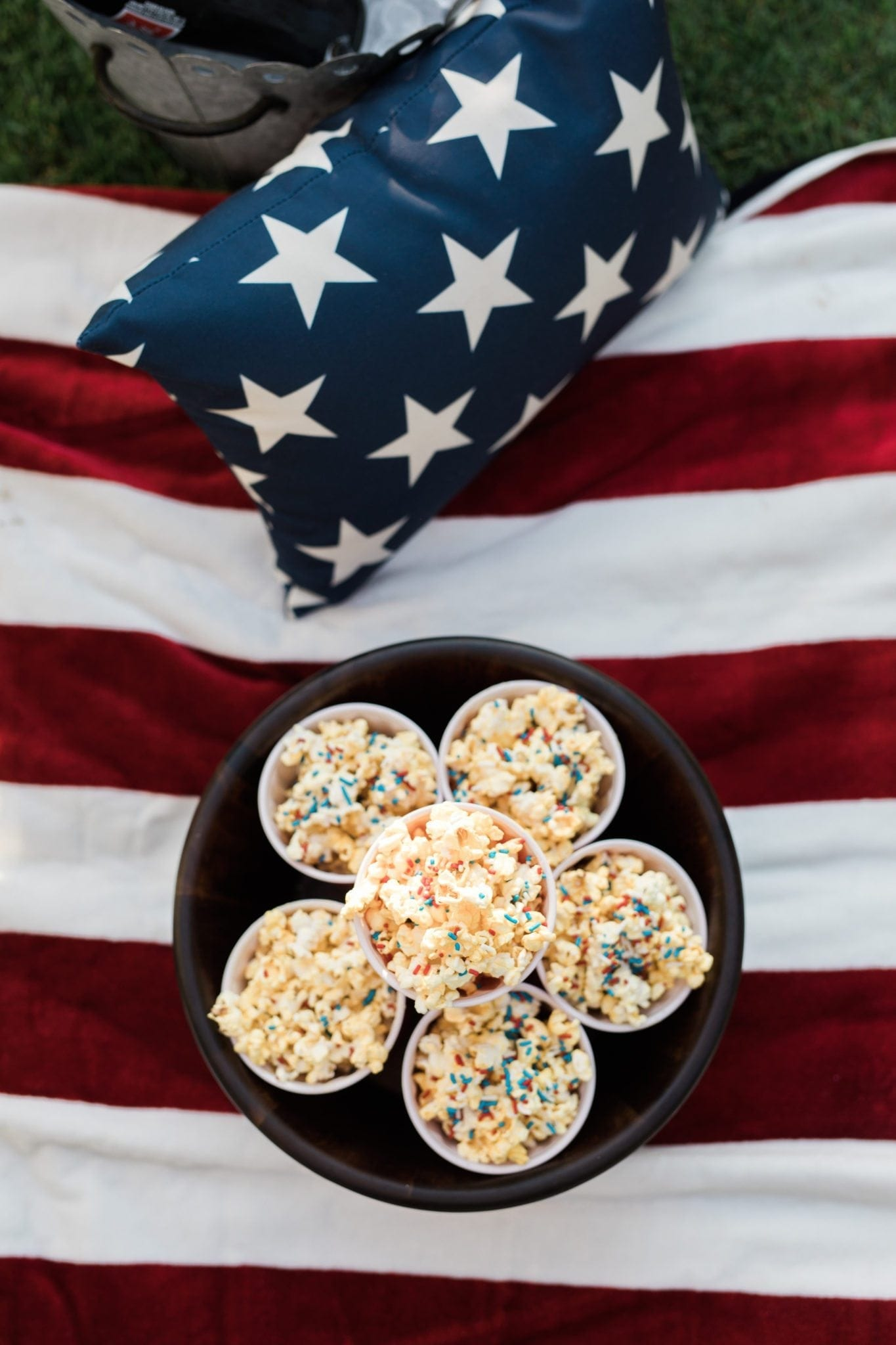 Easy to make popcorn with sprinkles. Fun party popcorn treat!