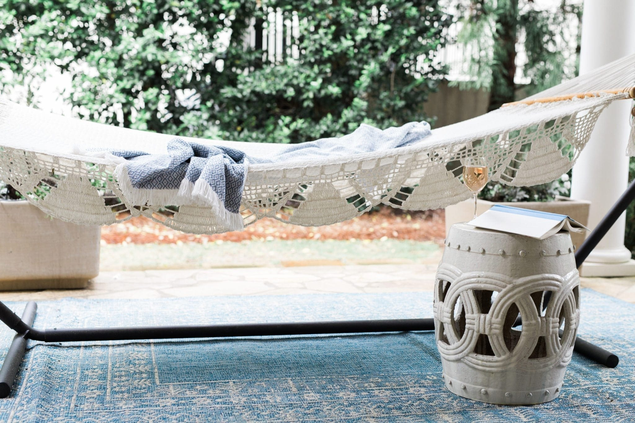 Outdoor woven hammock