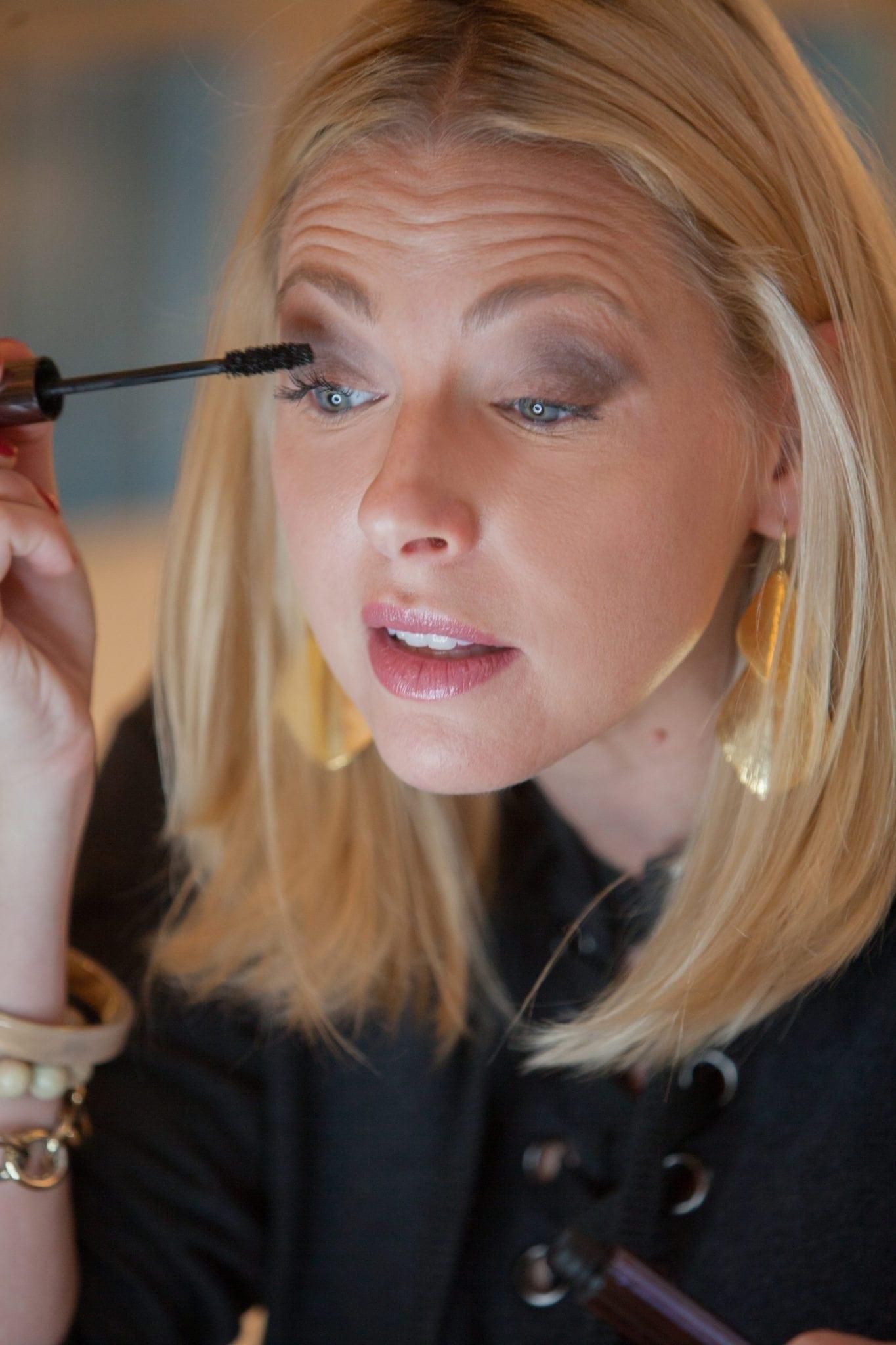 Natural looking mascara and how to get bigger eyelashes without using false eyelashes.