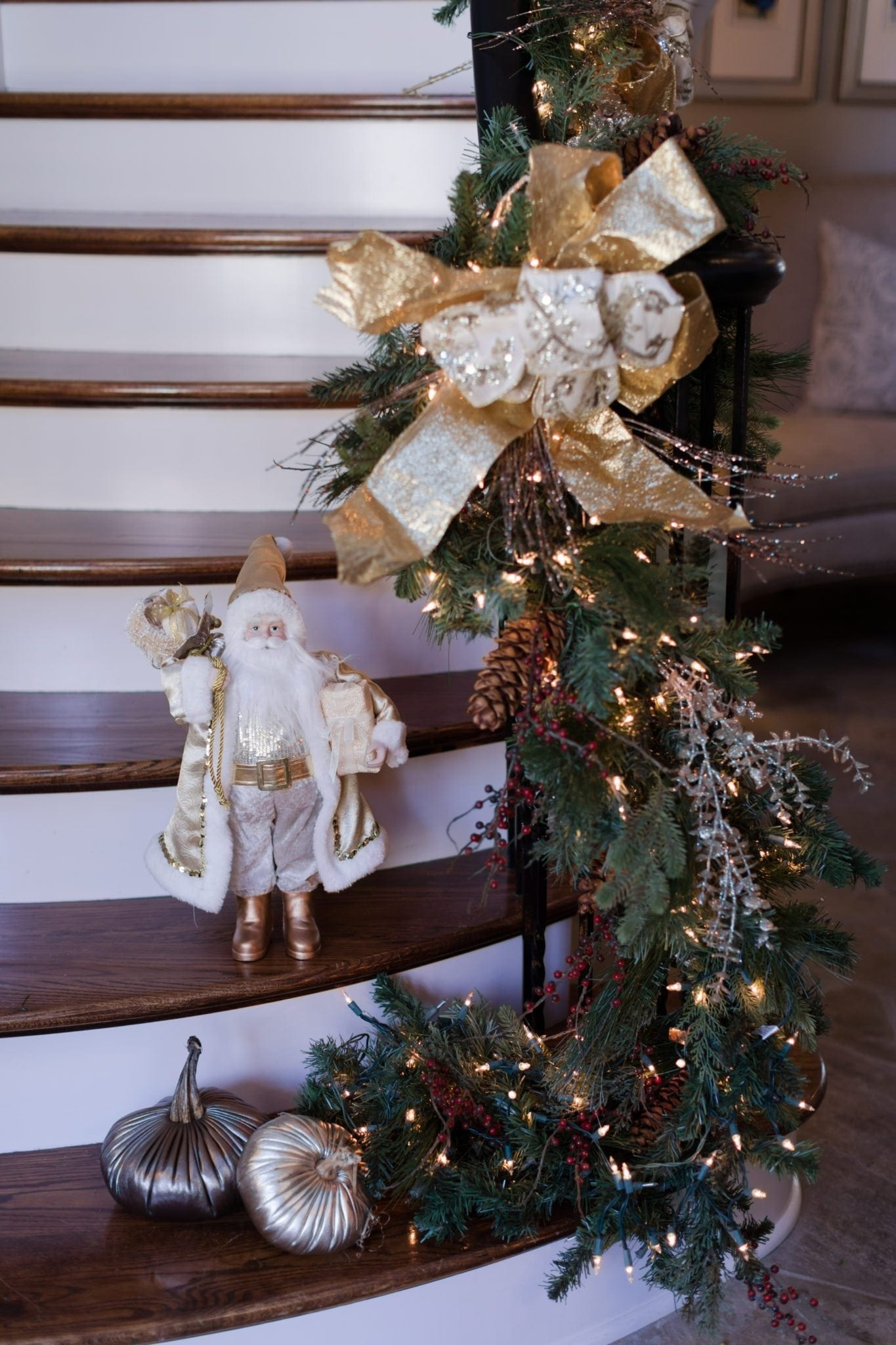 Christmas shophouse style decorating. House tour of Christmas decorations and swagger garland.