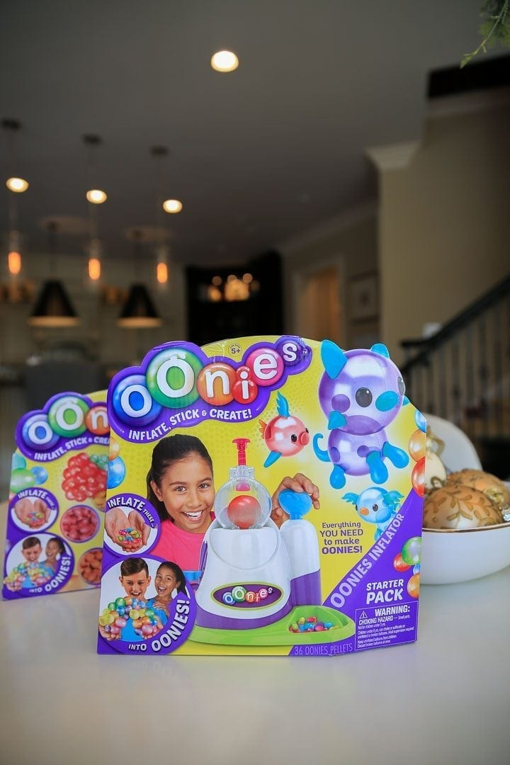 Oonies Starter Pack. New toy for kids that Moms love!
