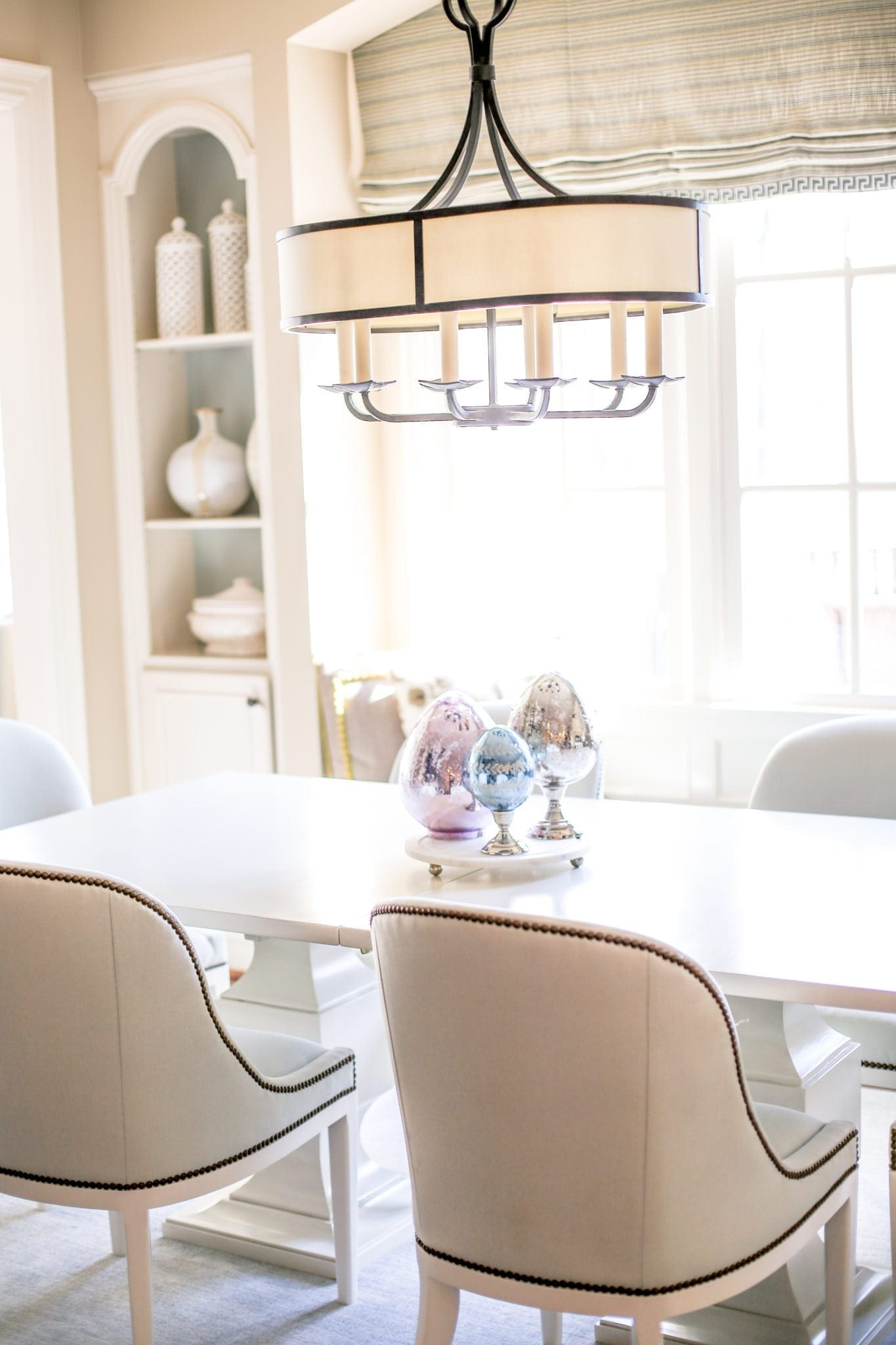 Spring kitchen table centerpiece idea. How to decorate for spring.