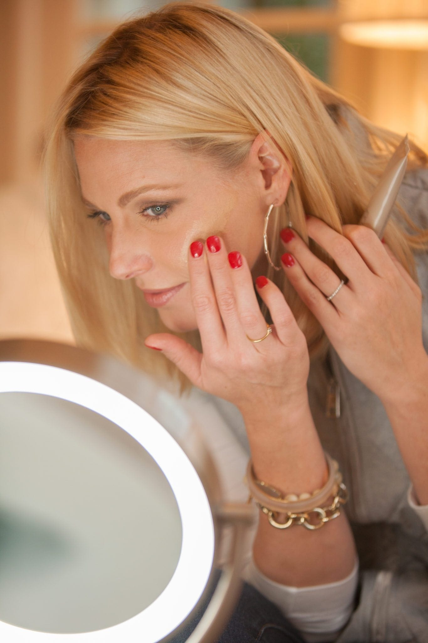 How to wear tinted moisturizer and what brands of tinted moisturizer work best.