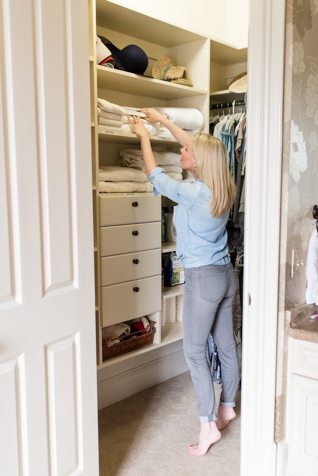 House organizing tricks and tips. How to keep your house clutter free.
