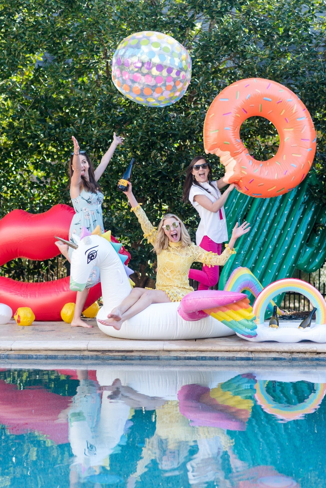 Uniforn pool float and Cactus pool float. Great tips for summer party with Butter Chardonnay.