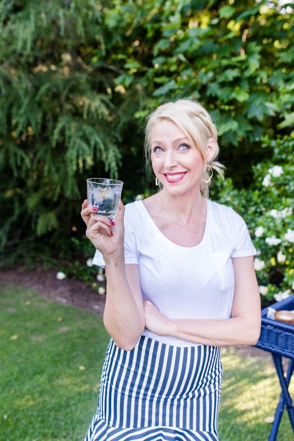 Easy summer cocktail. Vodka cocktails with lemonade.
