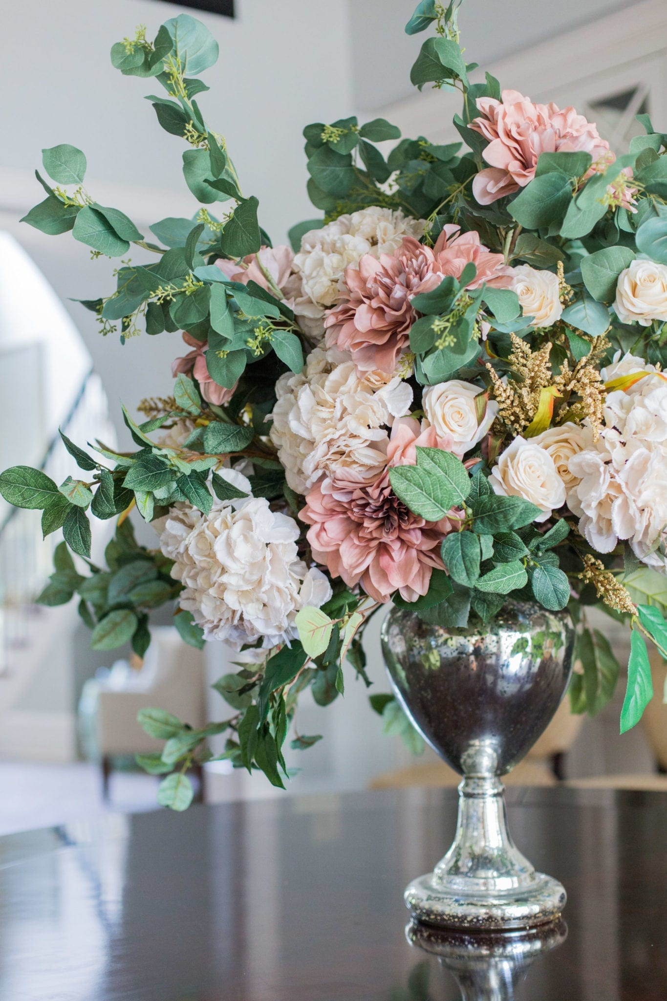 Flower arrangement ideas for home.