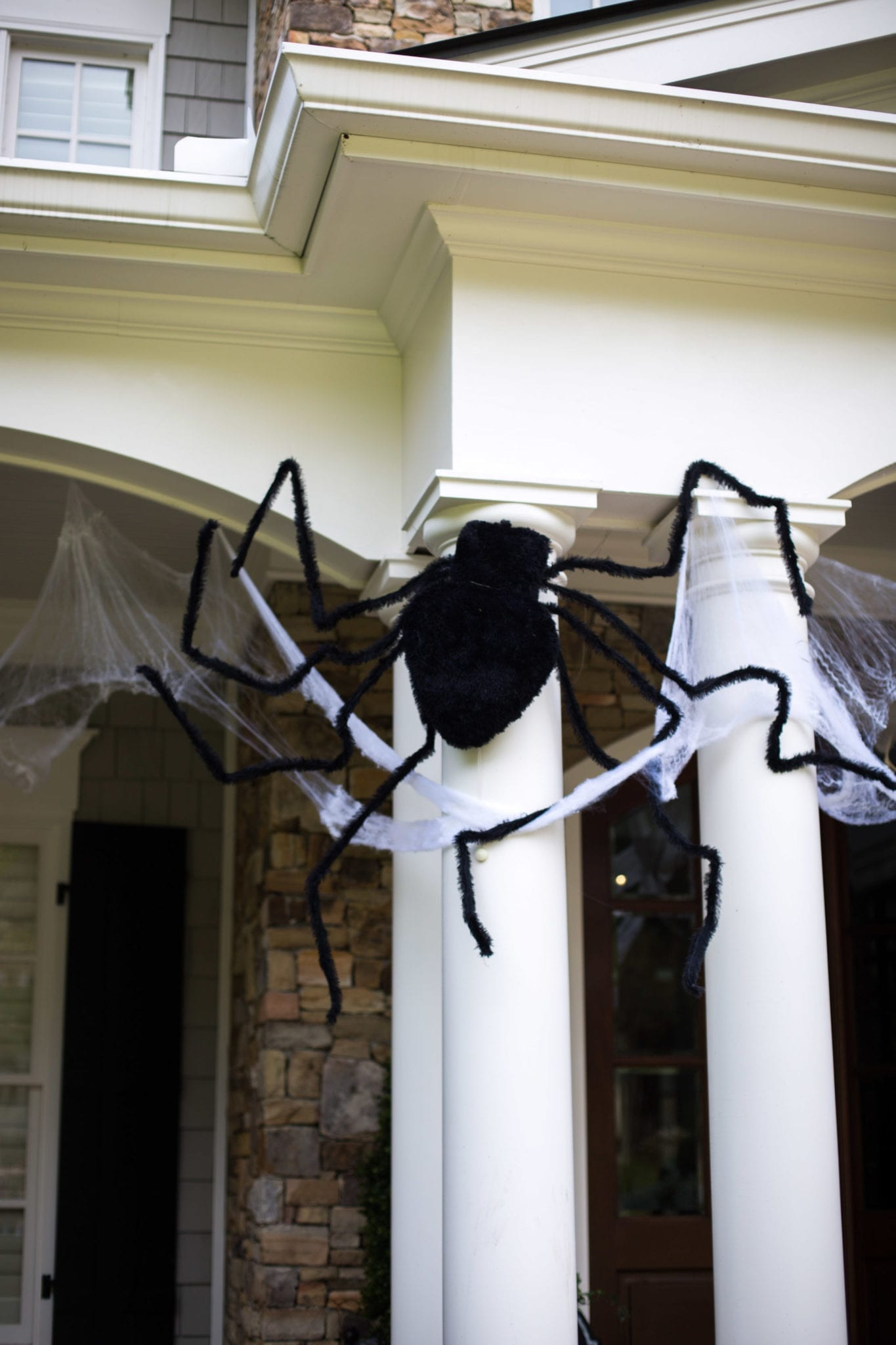 Outdoor spider for decorating your house for Halloween.