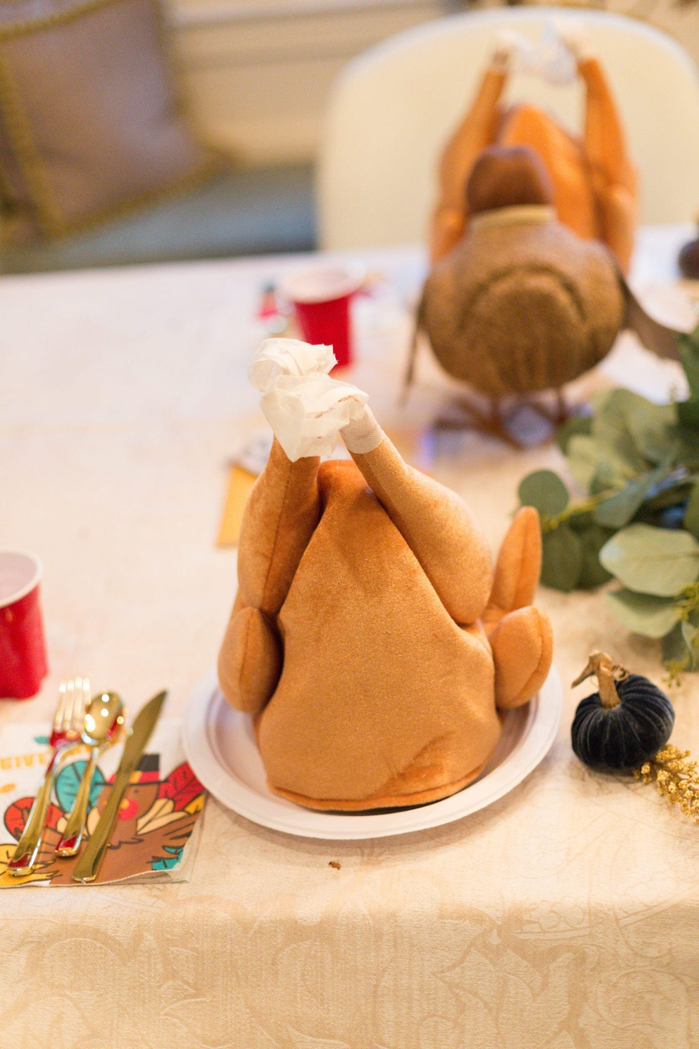 a ridiculously cute but easy Thanksgiving kids table