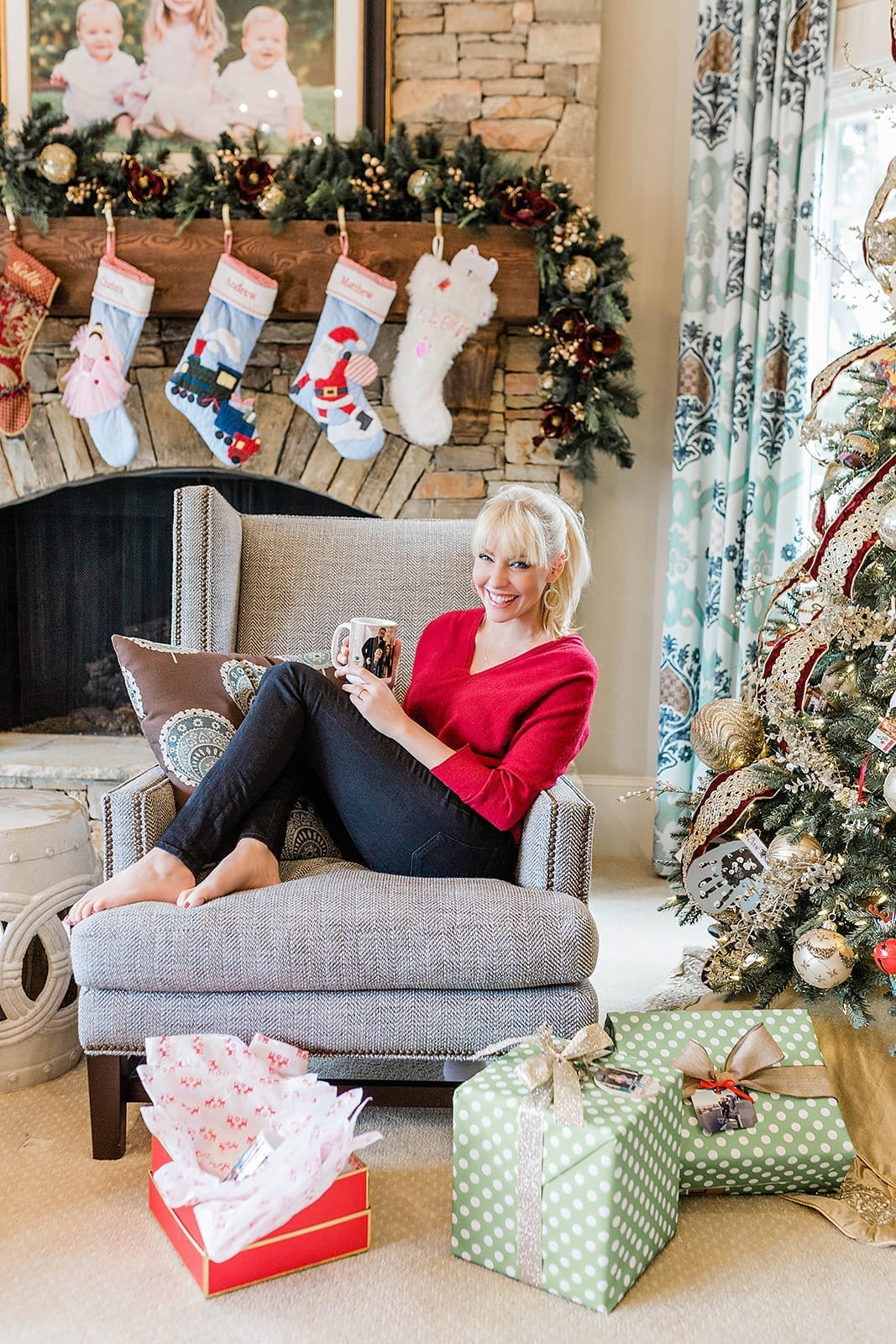 Personalized Gifts for Christmas - Kodak Moments helps create affordable and personal gifts on their mobile app. It's never been easier to get your photos off your cell phone and print them!