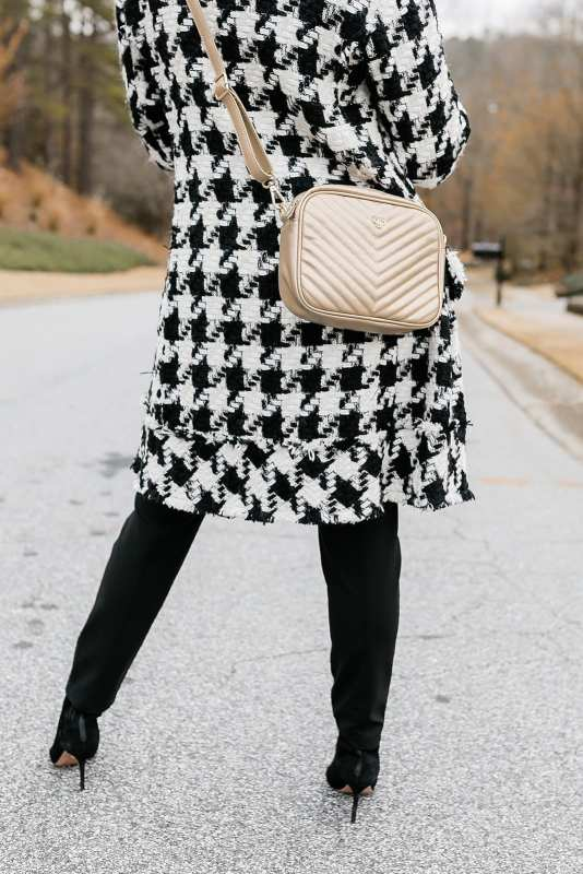 PurseN Crossbody Bag - the bag with a light inside! Gold bag with black and white outfit - love the Houndstooth coat with black suede booties!