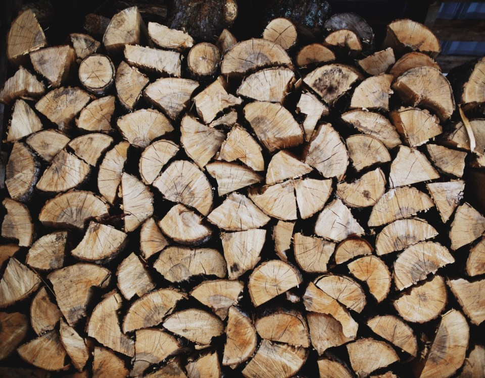 A cord of wood is stascked like Abdominal Muscles.